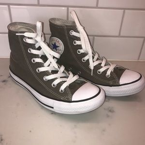 Converse All-Star High Tops in Grey